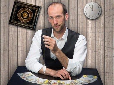 CREDO. Zauberer Andreas Maier für Geburtstag buchen: Zauberkünstler, Mentalist, Illusionist, Entertainer aus Wolfratshausen bei München. Firmenfeier, Hochzeit, Firmenfeier, Firmenevent, Weihnachtsfeier, Zauberer gesucht