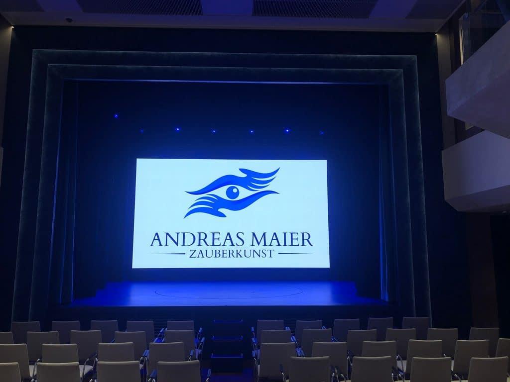 Bühne Zauberer buchen für Geburtstagsfeier. Magier Andreas Maier: Zauberkünstler, Mentalist, Entertainer aus Wolfratshausen bei München